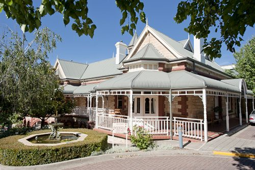 The magnificent White House heritage building at The Lodge
